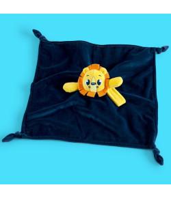 Naninha Infantil Puket Leão Azul Marinho 3m+ ABR18 - 010101341